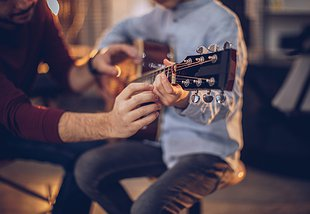 Top Reasons to Take Guitar Lessons with Neighbour Note